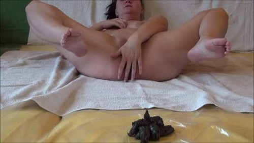 Dirtyscatgirl - I have a mouth full of shit and chew shit - Defecation, Shiting Girl, Dirty Ass