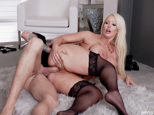 MylfBoss 19 12 08 Alura Jenson A New Level Of MILF Thiccness XXX 1080p MP4-KTR