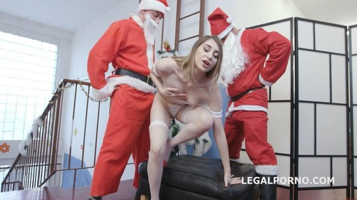 Lana Bunny, Neeo, Robin Reid - Xmas First Time Lana Bunny First Time Dp With Balls Deep Anal, Gapes And Swallow Gl100 [HD/720p]