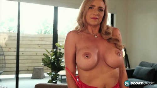 "Kenzi Fox in ""Gaping Pussy And Fuck Toy Show"" [HD]"