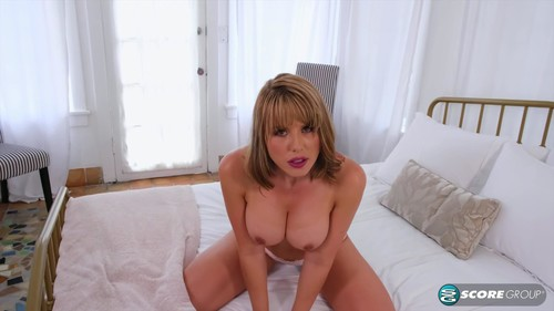 """Amber Chase in """"Jack-Off Instructions From A Hot Milf"""" [HD]"""