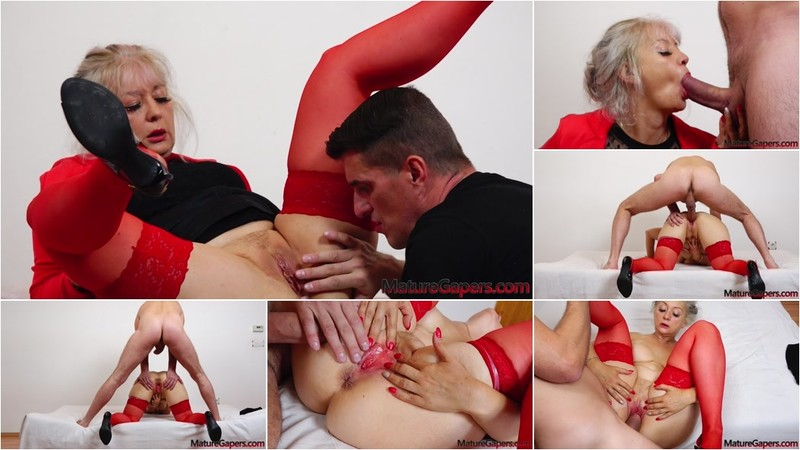 Veronique - Hot GILF Veronique pussy fingering, spreading, gaping and hard banging [FullHD 1080P]
