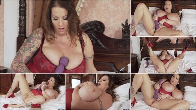 Laura Orsolya Valentines Day [FullHD 1080P]