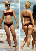 Mena Suvari Shows Off Her Ass in a Thong on the Beach!