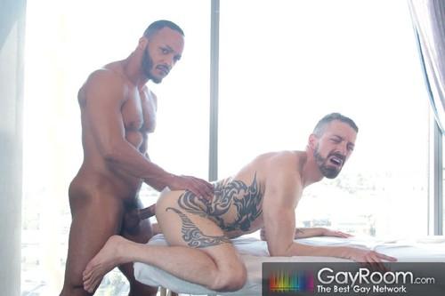 GayRoom - Rub And Tug: Jake Karhoff, Bo Baxxter