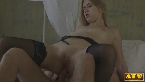 Violette Pink - Hot Pleasure For A Greedy Blonde