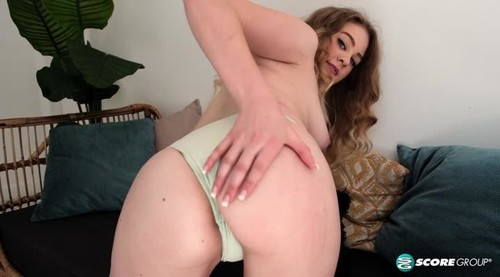Brie Viano - Giving Her Best (SD)