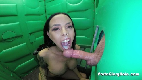 Brandy In The Porta Gloryhole For The First Time - Porta Gloryhole