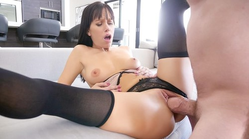 Alana Cruise - Home From The Club (HD)