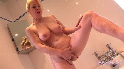 Lucinda - Bathtub Jerk Off Instruction [FullHD/1080p]