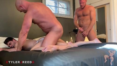RawFuckClub - Tag Teaming a Slut: Tyler Reed, Wade Wolfgar Bareback