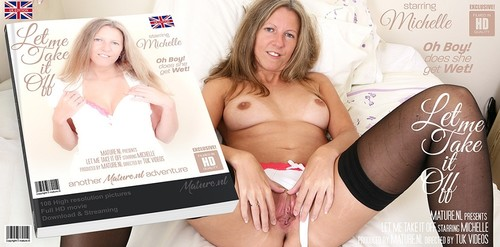 Michelle C EU 31 - Naughty Mom Michelle Loves To Play With Herself In Bed [SD/540p]