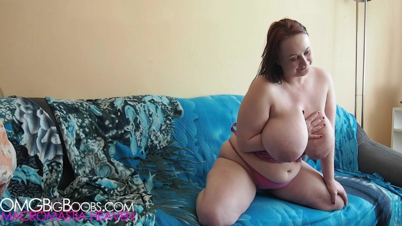 Jessica Milf with Big Boobs (OMGBIGBOOBS)