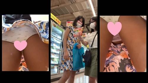 炉利系女子逆さ盗撮風VOL.3