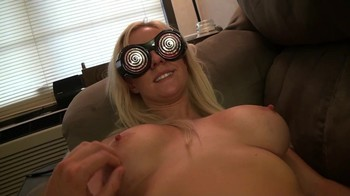 Hypno glasses turn blonde into a submissive bitch