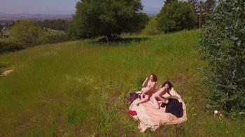 Naked Glamour Model Sensation  Nude Video - Page 7 T18anpvbx7v4