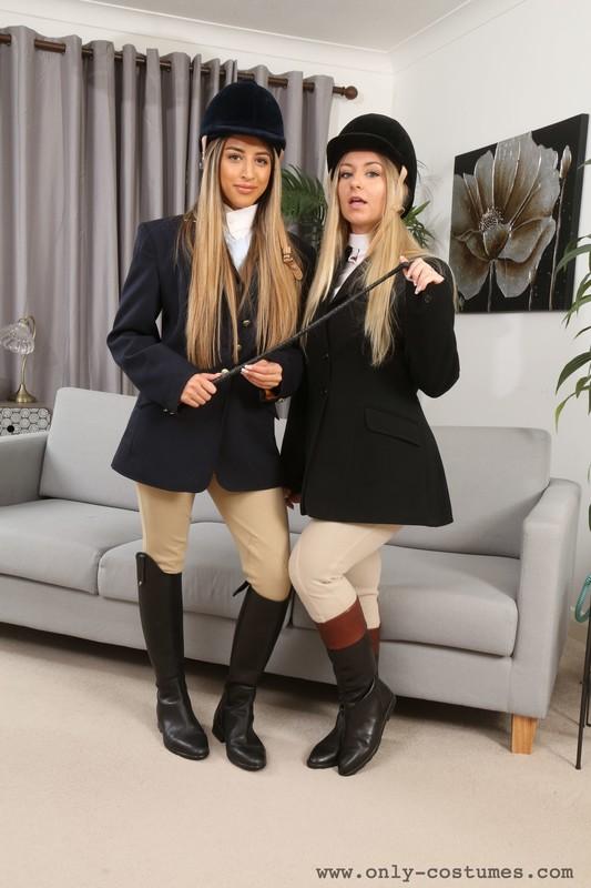 lesbian girls Alexa & Elle M in jodhpurs & boots