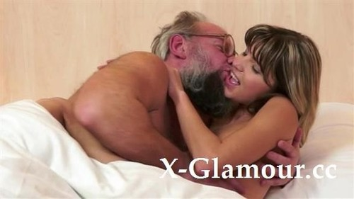 Amateurs - Red Face Grandma Gets Lucky [HD/720p]