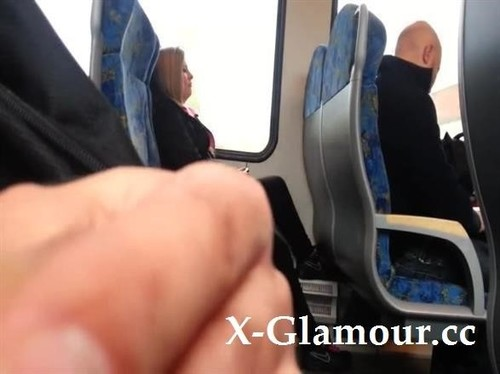 Amateurs - Im Playing With My Cock In The Train