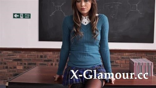 Your Perfect Schoolgirl Fantasy [FullHD]