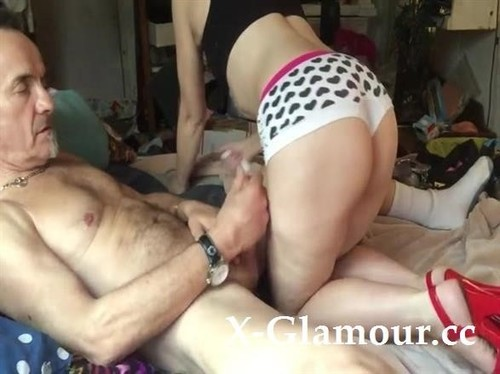 Amateurs - Slutty Milf Takes A Facial After A Really Hot And Wild Fuck