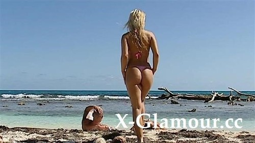 Amateurs - Tanned Blonde Teen Taking Two In The Sea (SD)
