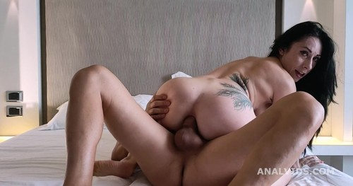 LegalPorno - Italian Milf Federica Ferrari drinks piss with Balls Deep Anal and Messy cumshot GL314