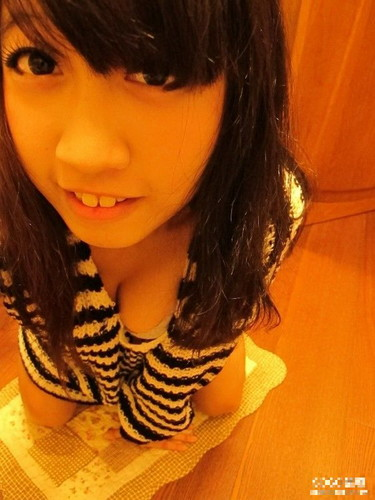 台灣大奶學妹舊照43P