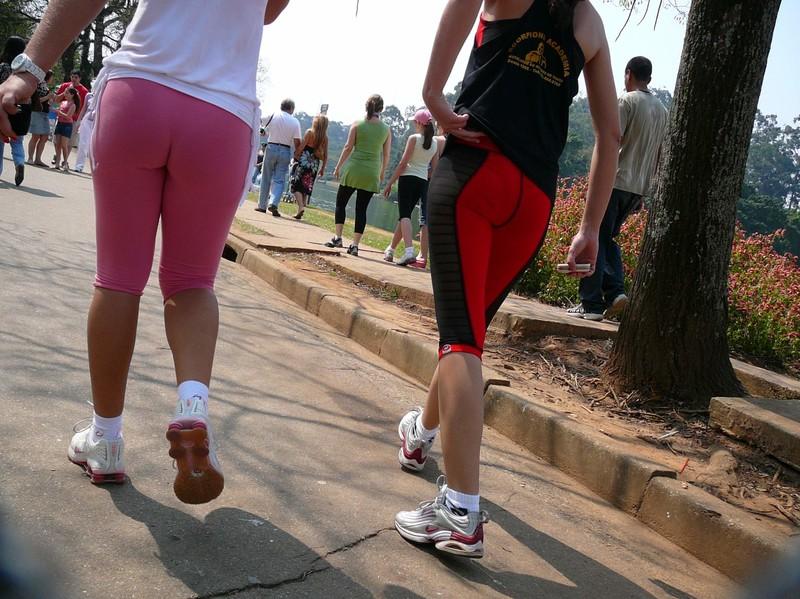 sporty lesbian girls in capri leggings