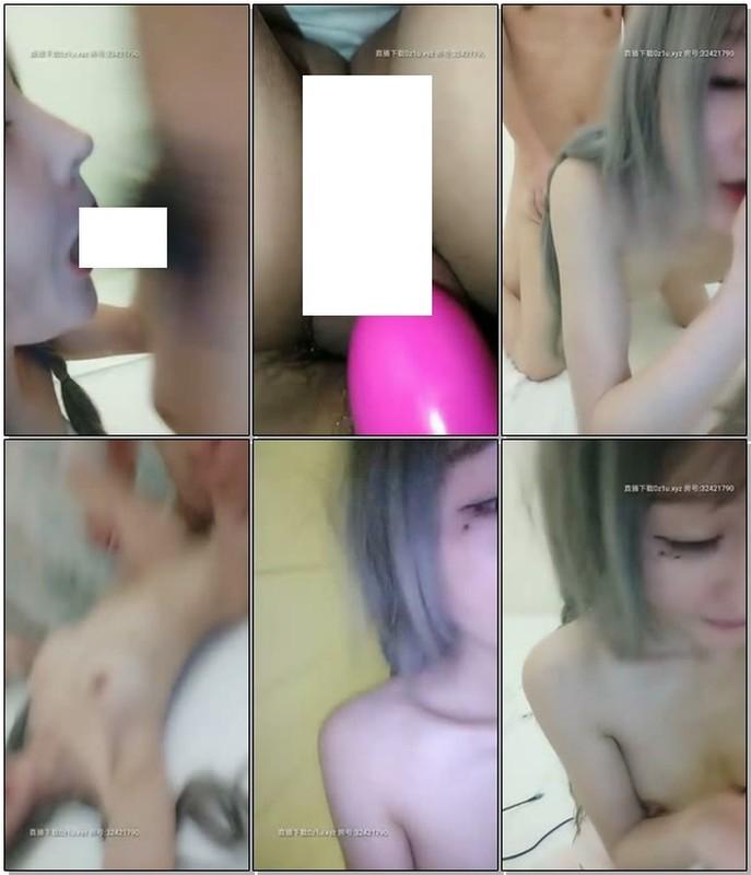 X22大草莓騷貨主播+火爆網紅鹿少女浴室性感情趣+在家無套約操輕熟女