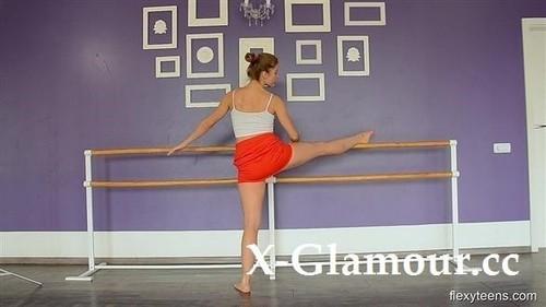 Naked Gymnast 2020-11-10 [HD]