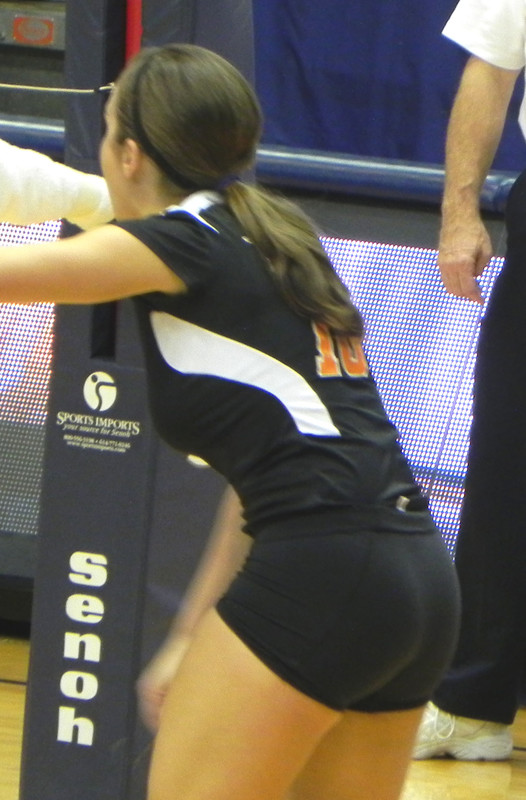 college volleyball booty in spandex shorts