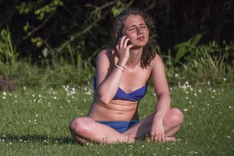 phone chick naughty bikini gallery
