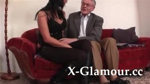 Amateurs - Young College Girl Licked And Fucked By Old Man [SD/480p]