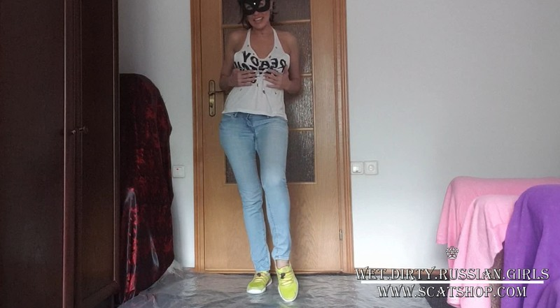 Natalia pissing in light jeans (7.02.2021) 34,99$ (Premium Request) via Wet and Dirty