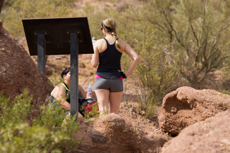 hiking girls in sexy shorts & leggings
