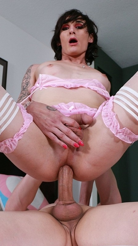 Cali Fauna Trans Pet Adores Her Dominant Daddy (13 March 2021)
