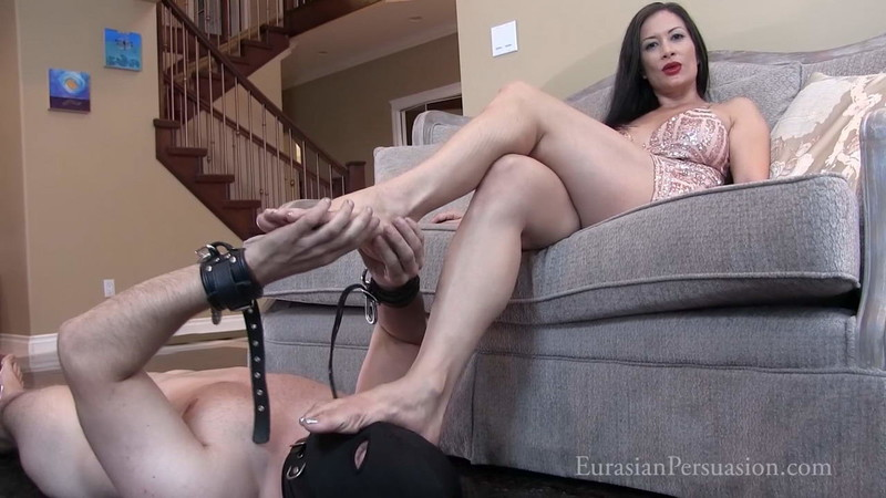 Vancouver Kinky Dominatrix - It'S Nice To Have A House Bitch [FullHD 1080P]