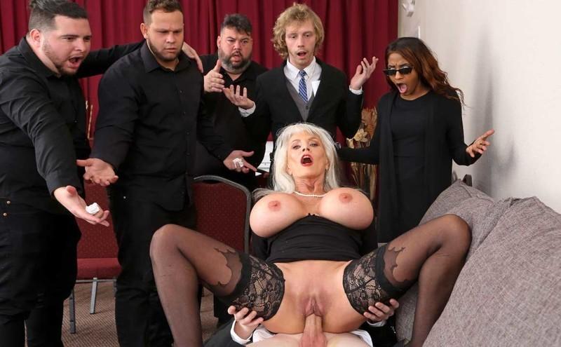 Sally Dangelo - Burying The Dick 10 Inch Deep [FullHD 1080P]