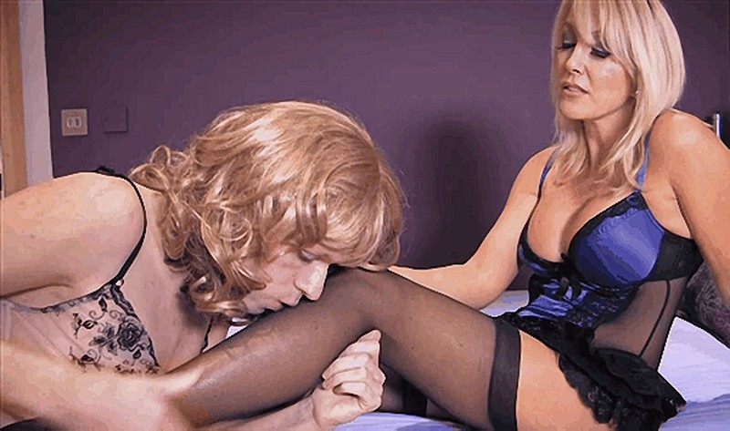 Goddess Zena - Playing With My Special Girl [FullHD 1080P]
