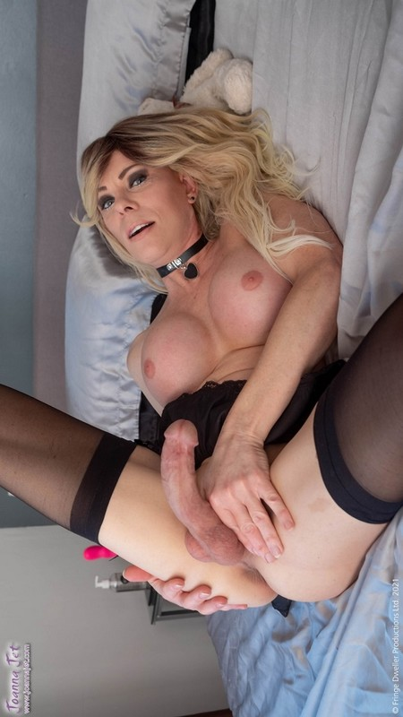 Joanna Jet – Me and You 453 – Black Lingerie, Pink Heels (2 April 2021)