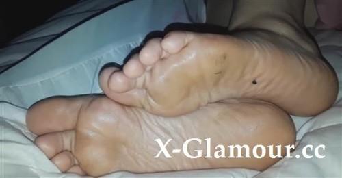 Secret Pov Clip Of My Girlfriends Sexy Feet [HD]