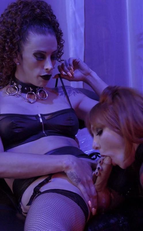 Black Widow XXX – Casey Kisses & Lacy Lennon (23 August 2021)