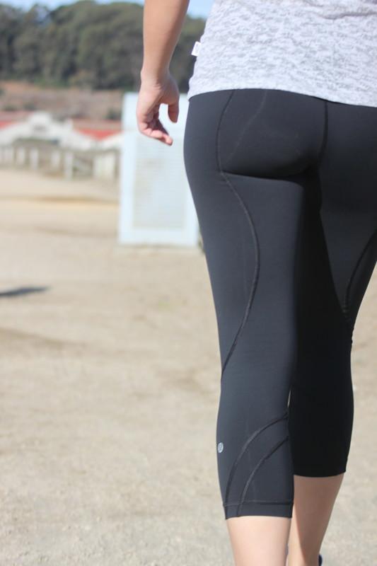 gorgeous booty in lululemon leggings