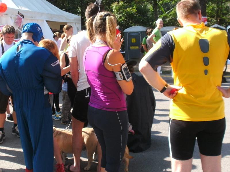 blond runner babe in capri leggings