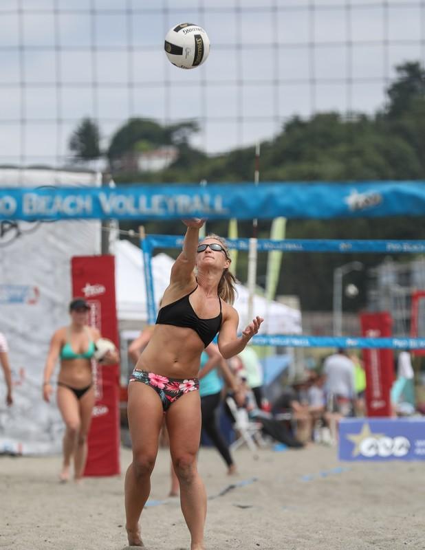 beach volleyball girls in bikinis
