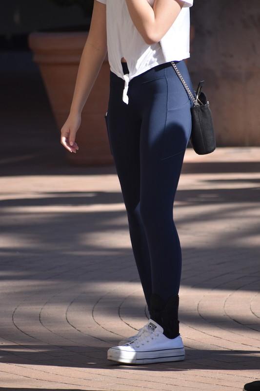 college teen booty in blue lulelemon leggings