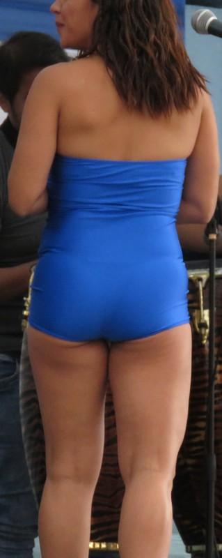 latina promo lady in blue spandex