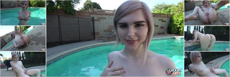 Ella Hollywood - Poolside With Ella Hollywood! (FullHD)