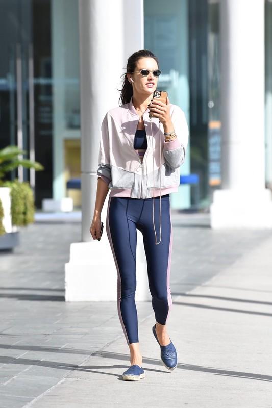 brazilian milf Alessandra Ambrosio in sexy fitness pants